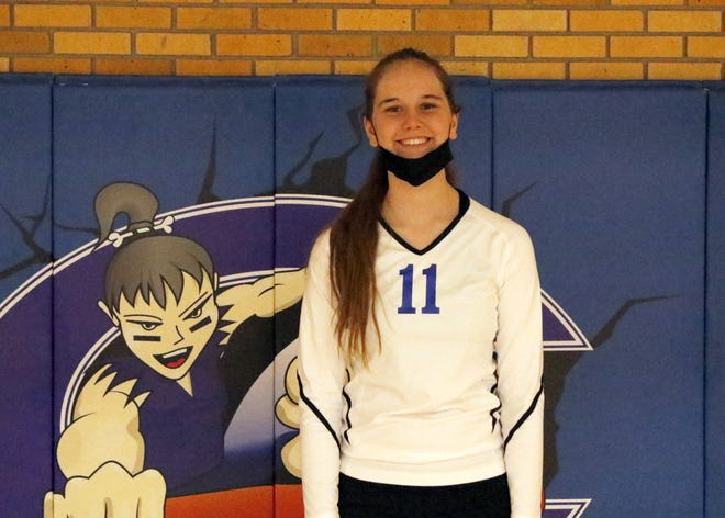 Sophomore right side hitter Carly Younger
