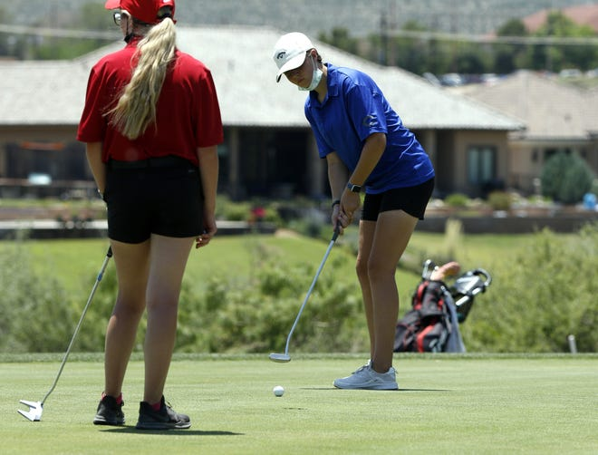 Carlsbad eighth grader Lindsey Carter watches her putt on the 18th hole at the Riverside Country Club in the District 4-5A Tournament on June 7, 2021. Hughes shot a 95 and will compete in the New Mexico state golf championships in Albuquerque on June 21.
